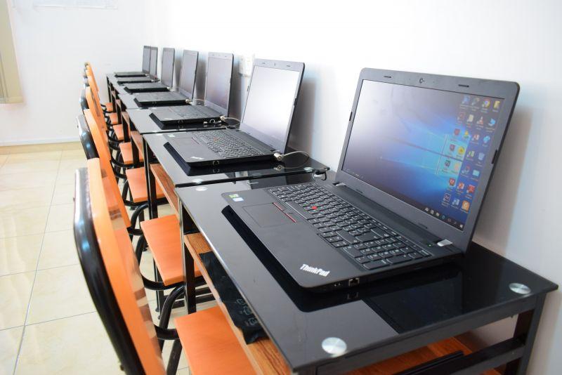 كلية الهندسة وعلوم الحاسوب