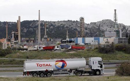 النفط يواصل مكاسبه في معاملات ما بعد التسوية - صحيفة الجامعة