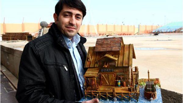 """شاب عراقي مهاجر يجسّد تفاصيل المدن في """"مصغرات"""" فنية - University Journal"""