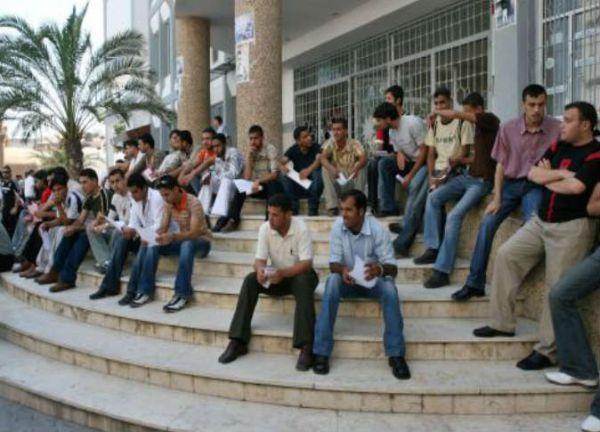 213 ألفًا عاطلون عن العمل بغزة بفعل الحصار والحرب - صحيفة الجامعة