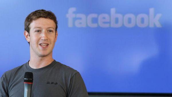 مارك زوكربيرغ يلقي أول خطاب عن أهداف شركته فيسبوك بالصينية - صحيفة الجامعة