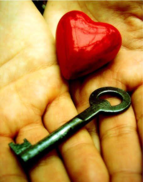 5 خطوات بسيطة تفتح لك قلوب الآخرين - صحيفة الجامعة