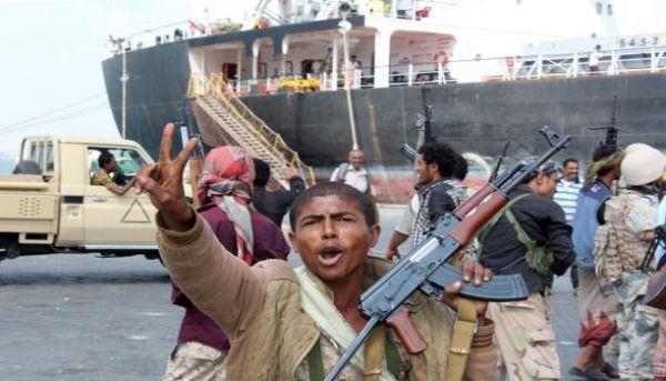 الحكومة اليمنية الشرعية تسعى لضبط الموانئ وتنشيط التجارة - صحيفة الجامعة