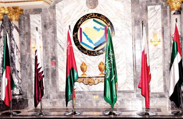 «الخليج» يلجأ إلى العمالة الأردنية والسودانية والتركية.. لتعويض «اللبنانية» - University Journal