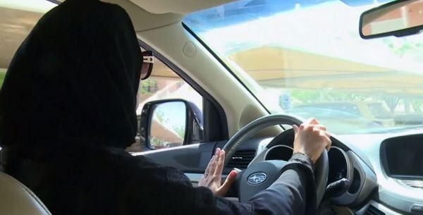 مسؤول كويتي: الكويت لا تسمح بتدريب السعوديات على قيادة المركبات أو منحهن رخصة القيادة الكويتية - صحيفة الجامعة