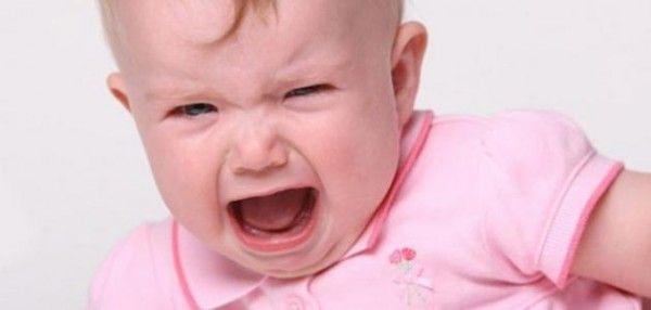 كيف أتعامل مع الطفل كثير البكاء - University Journal