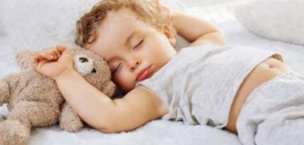كيف تجعلين طفلك الرضيع ينام ليلاً - University Journal