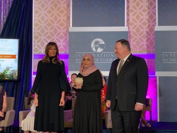 يمنية تحصد أبرز جائزة أمريكية للمرأة الشجاعة والمؤثرة في مجتمعها - صحيفة الجامعة