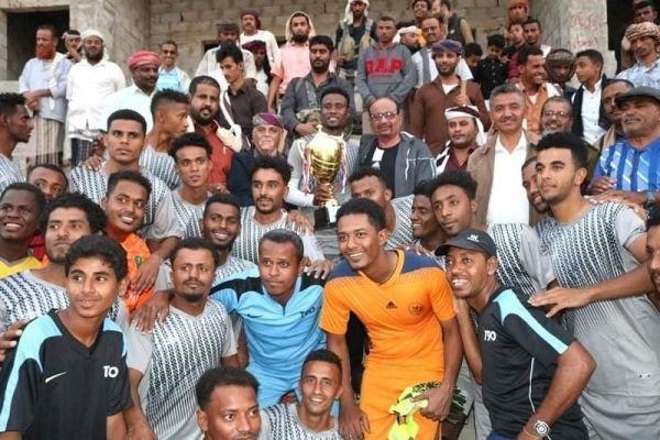 فريق الشرطة الجوية بسيئون يحرز بطولة كأس الاستقلال لكرة القدم - صحيفة الجامعة