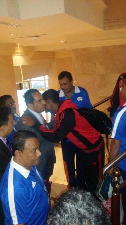 البكري يلتقي منتخب الشباب قبل مباراته مع المنتخب السعودي بساعات