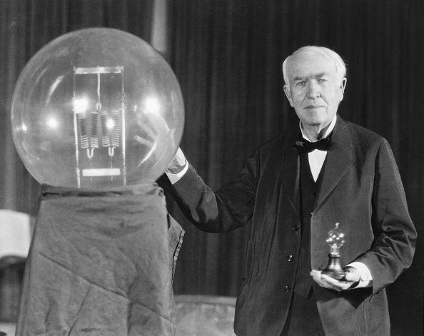 «إديسون» لص اختراعات و«فورد» ملهم هتلر.. الوجه المظلم لشخصيات أضاءت العالم - صحيفة الجامعة