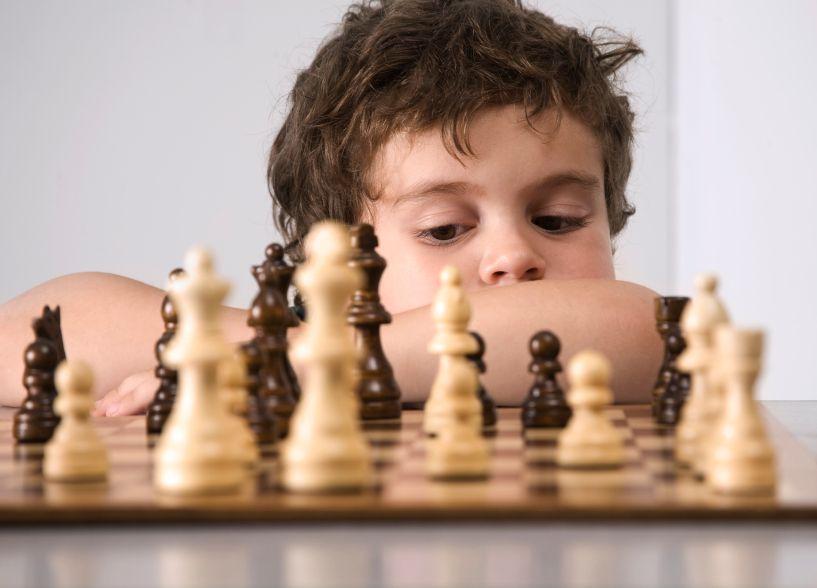 هل تساهم الشطرنج في زيادة الذكاء؟ - صحيفة الجامعة