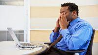 احذروا الجلوس الطويل أمام شاشات الأجهزة الالكترونية… أخطار لا تتوقعونها!