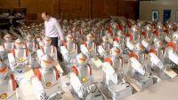 """الروبوتات تجرد 60 ألف عامل في صانعة """"آيفون"""" من وظائفهم"""