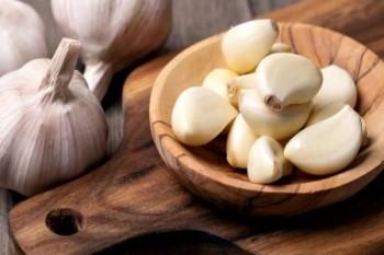 خمس فوائد مذهلة تجعلك تأكل الثوم يومياً
