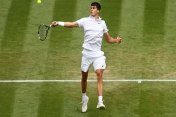 """""""خليفة"""" نادال يظهر في ملاعب التنس بلقب للتاريخ"""