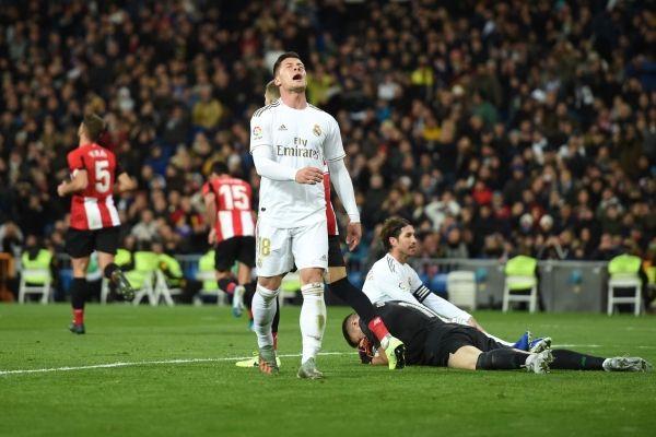 ريال مدريد يتعثر بتعادل محبط ويهدي برشلونة لقب الشتاء - صحيفة الجامعة