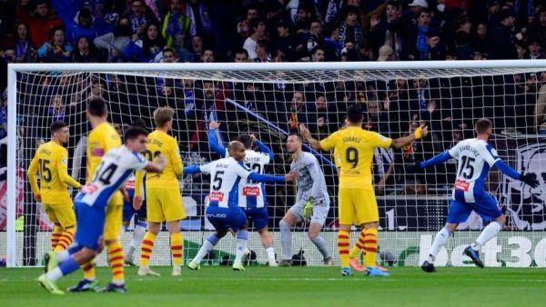 برشلونة يتعثر أمام متذيل الدوري ويتقاسم الصدارة مع ريال مدريد - صحيفة الجامعة