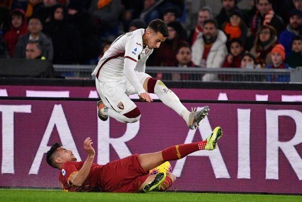 روما يسقط على أرضه أمام تورينو بثنائية نظيفة - صحيفة الجامعة