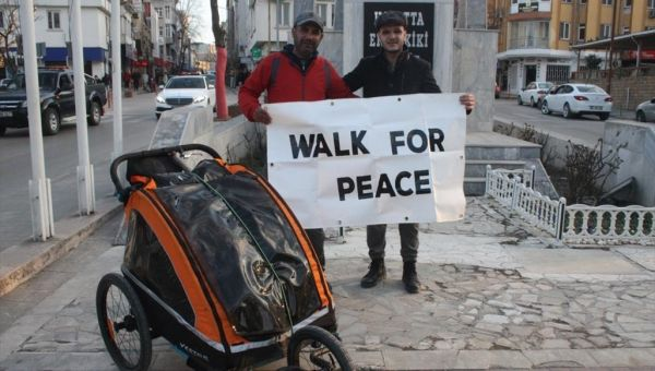مسلم بريطاني يسافر من بلده إلى مكة مشيا على الأقدام - University Journal