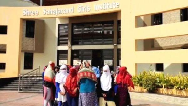 طالبات في الهند يجبرن على خلع ثيابهن الداخلية - صحيفة الجامعة