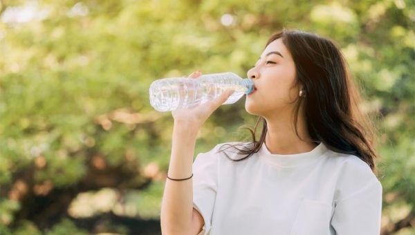 علامات تشير للجفاف وأنك تشرب ماء أقل مما ينبغي - University Journal