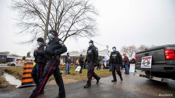 مقتل طفل رضيع في كندا أثناء محاولة تحريره من والده - University Journal