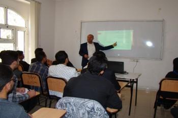 ندوة تعريفية لمشاريع التخرج لطلبة مستوى رابع ( اتصالات وشبكات - نظم معلومات حاسوبية )