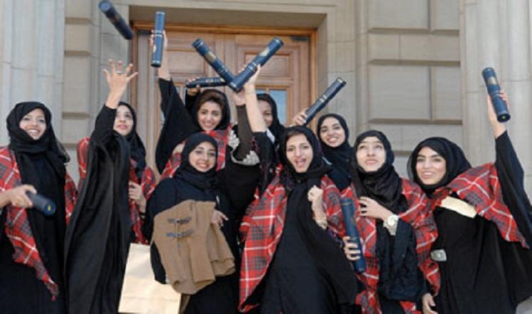 وزير التعليم العالي يزور جامعة الملكة أروى للاحتفاء بتكريم الطلبة الأوائل
